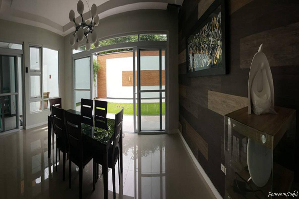 5 Bedroom Townhouse For Sale In Tandang Sora Quezon City Philippines For 26 000 000 Ref